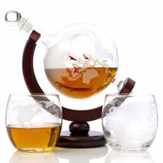 Whiskey Globe Decanter Set Etched World Globe Decanter for Liquor, Bourbon, Vodka with 2 Glasses in Premium Gift-Box - Home Bar Accessories for Men - Perfect for All Kinds of Alcohol Drinks